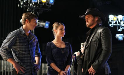 90210 Review: Tis Pathetic...