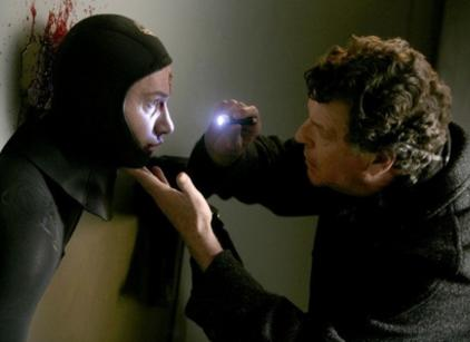 Watch Fringe Season 1 Episode 9 Online