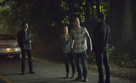 Caught in the Middle - The Vampire Diaries Season 8 Episode 1