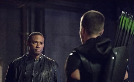 Arrow Season 4 Episode 1 Review: Green Arrow