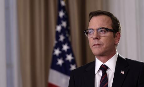"Designated Survivor Photos from ""Pilot"""