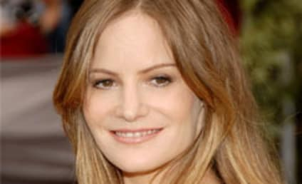 Weeds Casts Jennifer Jason Leigh