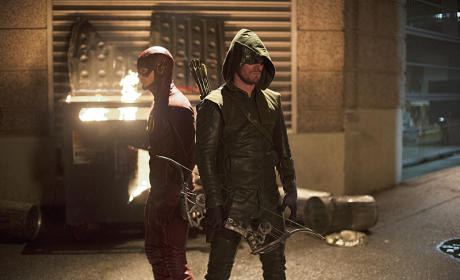 The Flash Season 1 Episode 8 Review: The Flash vs. Arrow
