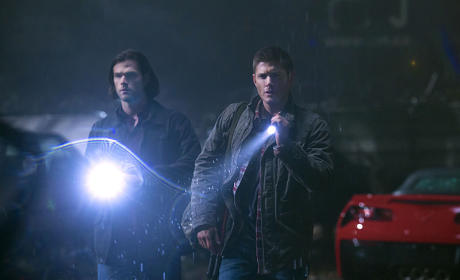 Flashlights On - Supernatural Season 10 Episode 13