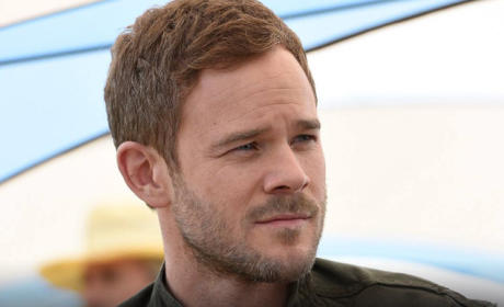 Killjoys Preview: Meet Aaron Ashmore, Space Bounty Hunter!