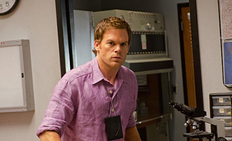 "Dexter Sneak Preview: ""Talk to the Hand"""