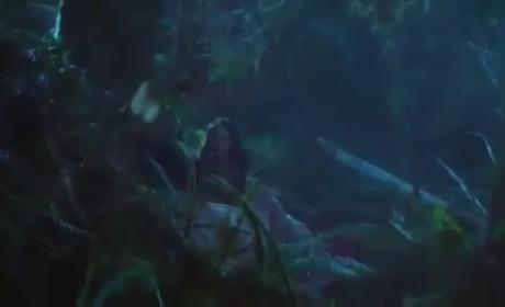 Once Upon a Time Clip:  Snow and Red