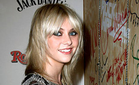 Taylor Momsen Leaves Her Mark