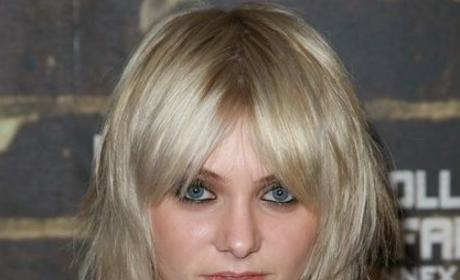 Taylor Momsen: Almost Famous Back Home