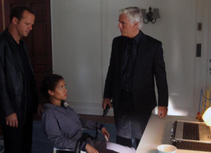 Watch Undercovers Season 1 Episode 3 Online