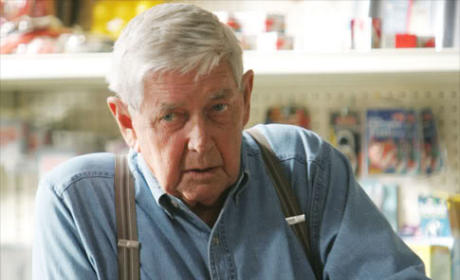 Ralph Waite Dies; Veteran TV Star Was 85