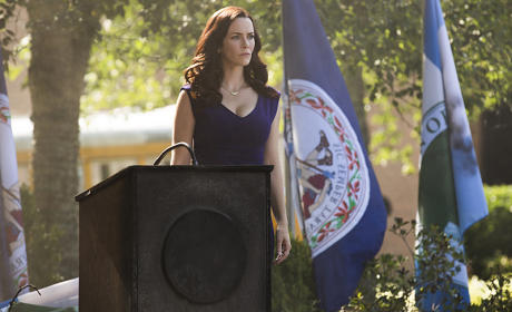 Lily in Charge - The Vampire Diaries Season 7 Episode 1