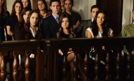 Pretty Little Liars Picture Preview: The Trial Begins...