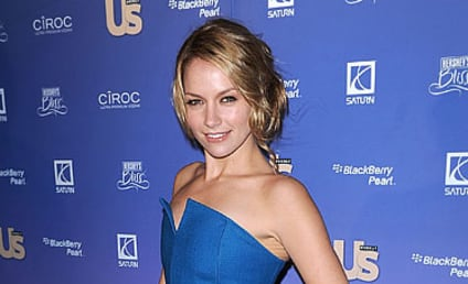 Becki Newton Cast as Love Interest on How I Met Your Mother