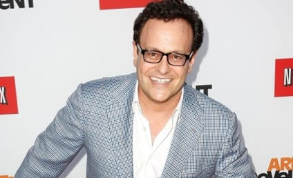Arrested Development Creator to Guest Star on Community
