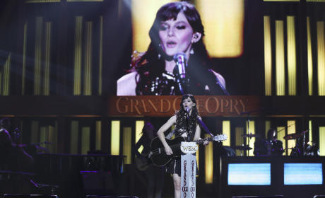 Layla All Alone - Nashville Season 4 Episode 4