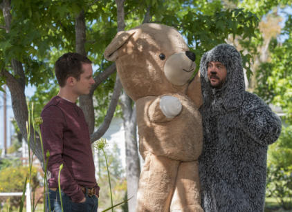 Watch Wilfred Season 4 Episode 8 Online