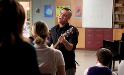 """Glee Music from """"I Kissed a Girl"""""""