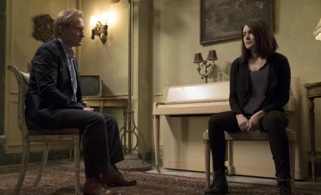 A father-daughter sit-down? - The Blacklist Season 4 Episode 1