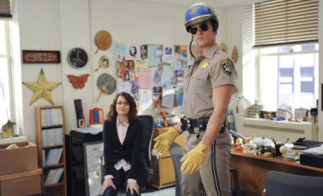 "30 Rock Review: ""Black Light Attack!"""
