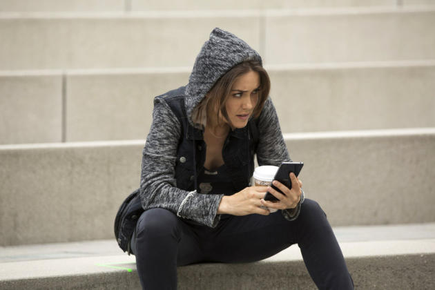 Liz on the Steps - The Blacklist Season 2 Episode 1
