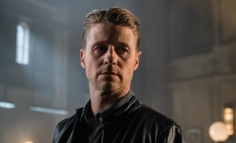 Shocked - Gotham Season 3 Episode 3