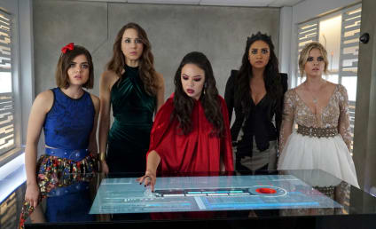 Pretty Little Liars Picture Preview: A is Revealed!