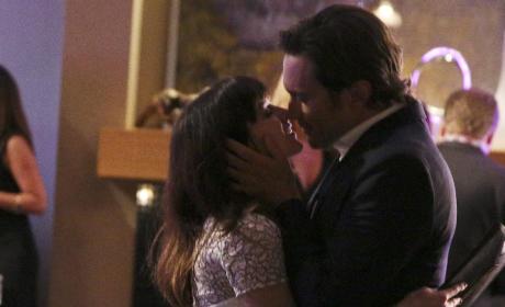 A Romantic Moment? - Nashville Season 4 Episode 6