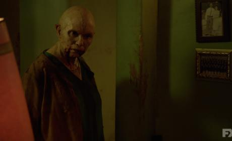 The Strain Sneak Peek: Mother... Should I?