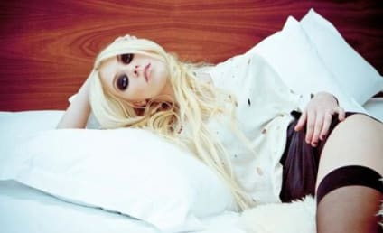 Taylor Momsen Never Leaves Home Without ...