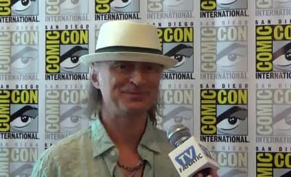 Robert Carlyle Talks Coma, Belle and Once Upon a Time Season 5