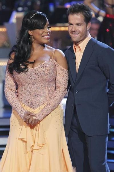 Niecy Nash and Louis Van Amstel Photo