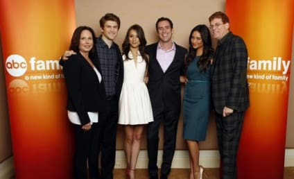 "Pretty Little Liars Creator Prepares Fans for ""Mona-Mania,"" Record Storytelling Pace"