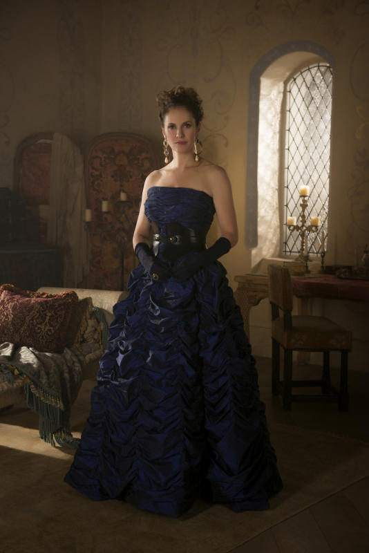 Marie de Guise Dressed for the Wedding