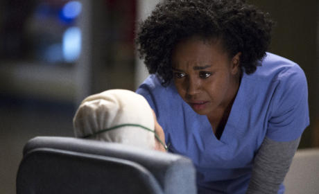 Stephanie Consoles a Patient - Grey's Anatomy Season 12 Episode 4