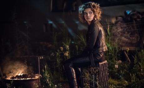 Inquiring Minds - Gotham Season 3 Episode 3