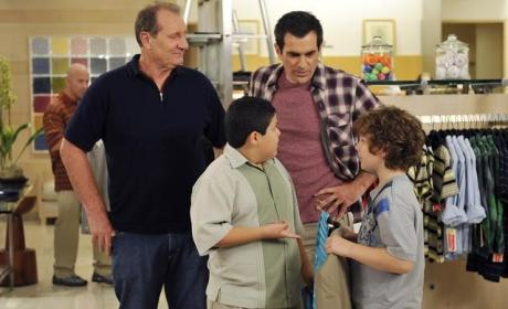 Modern Family Review: Private Parts are Private!