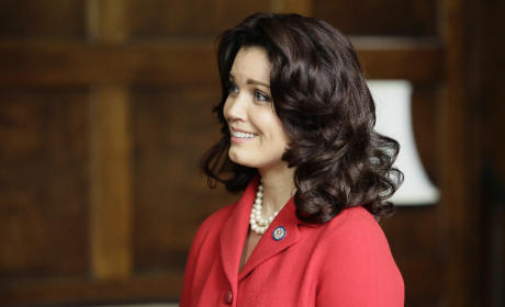 Mellie Grant - Scandal Season 5 Episode 1