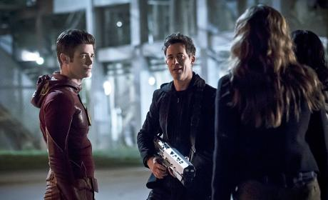 Well Equipped - The Flash Season 2 Episode 23