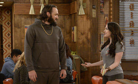 Watch 2 Broke Girls Online: Season 5 Episode 7