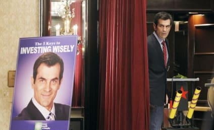 Modern Family Review: Eggs and Egos