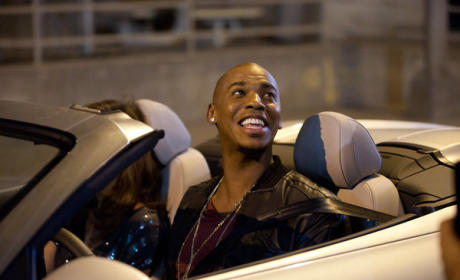 "Necessary Roughness Review: ""Poker Face"""