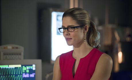 Arrow Season 3 Episode 18 Photo Gallery: A Vision in Yellow