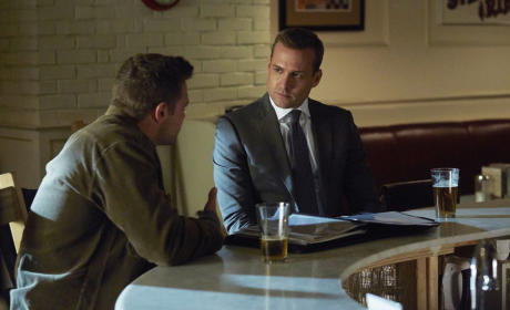 Suits Finale Q&A: Gabriel Macht on Love for Donna, Flashbacks & Season 5!