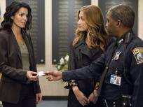 Rizzoli & Isles Season 2 Episode 1