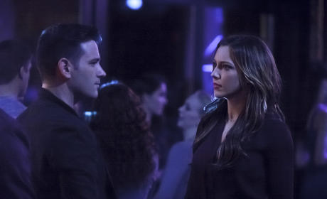 Tommy and Laurel - Arrow Season 3 Episode 14