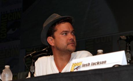 Fringe Cast Says Goodbye at Comic-Con