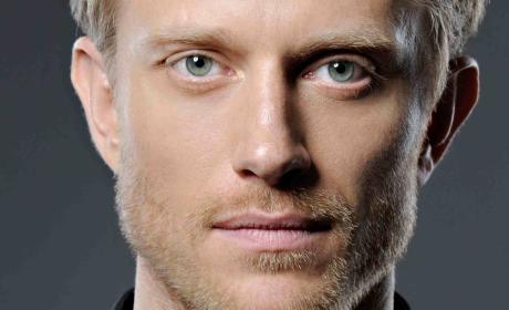 The Originals Season 4: Neil Jackson Added as New Vampire