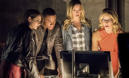 Arrow Season 4 Premiere Photos: Team Arrow Together Again!