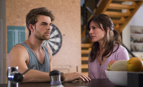 Significant Mother Preview: Nathaniel Buzolic on Sexy New Series, Love Of Waffles